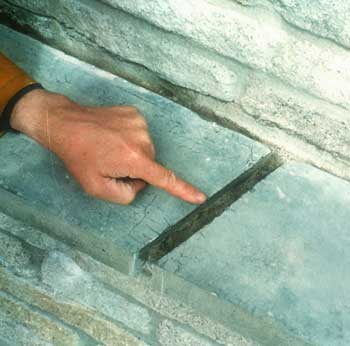 Exterior wood crack filler betamixe How to fill a crack in the wall